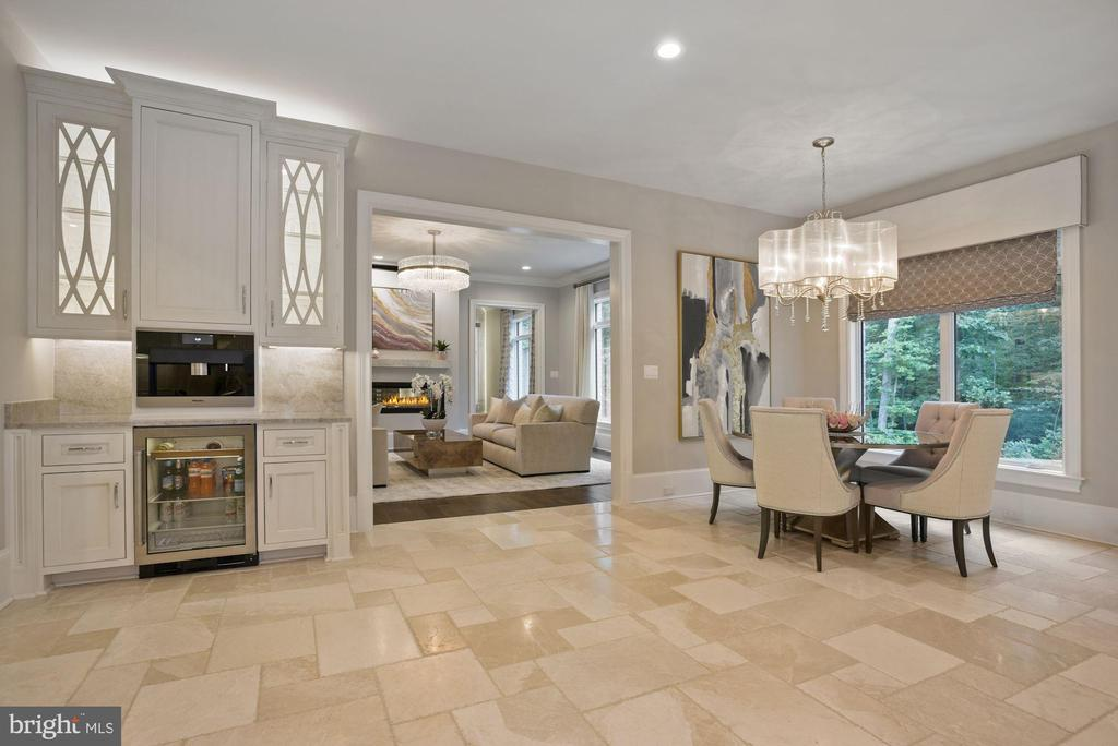 Beverage Center and Breakfast Room in the Kitchen - 22436 MADISON HILL PL, LEESBURG