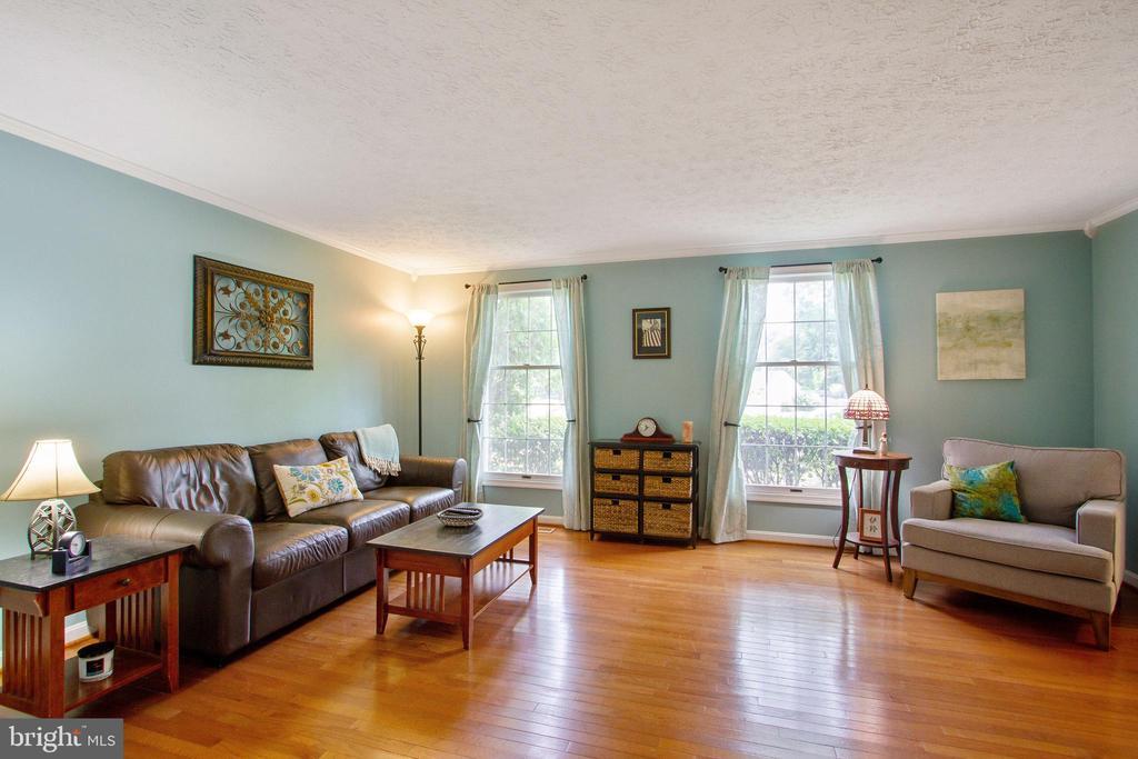 Formal Living Room - 4821 REGIMENT CT, WOODBRIDGE