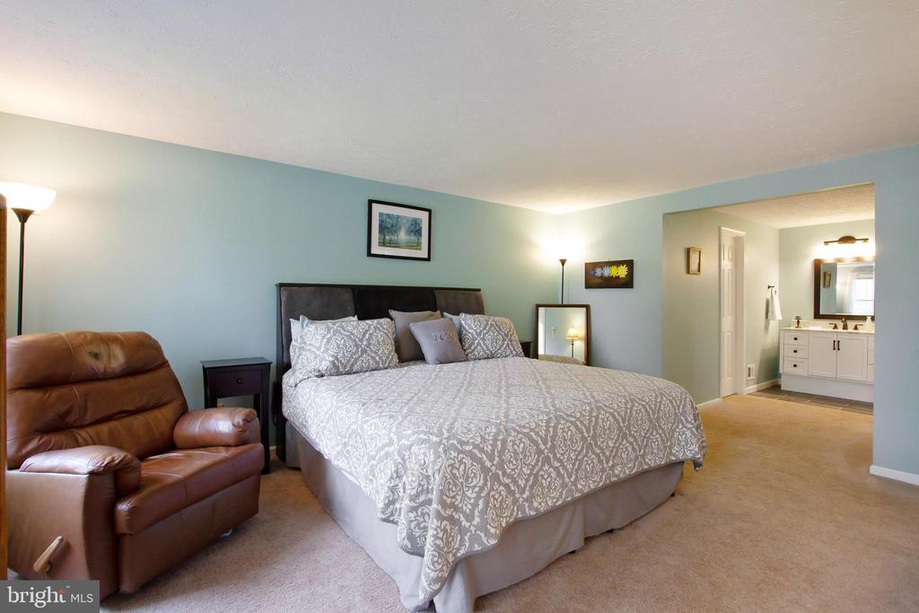 Primary Bedroom - 4821 REGIMENT CT, WOODBRIDGE