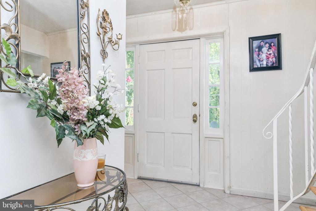 Foyer - 408 BEAUMONT RD, SILVER SPRING