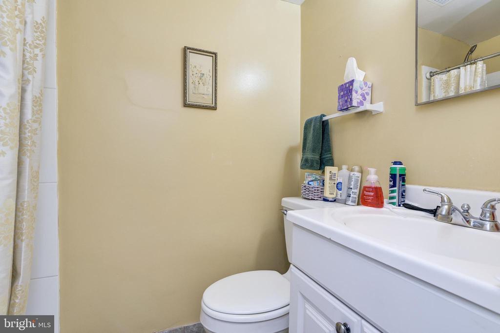 Basement Full Bathroom - 408 BEAUMONT RD, SILVER SPRING