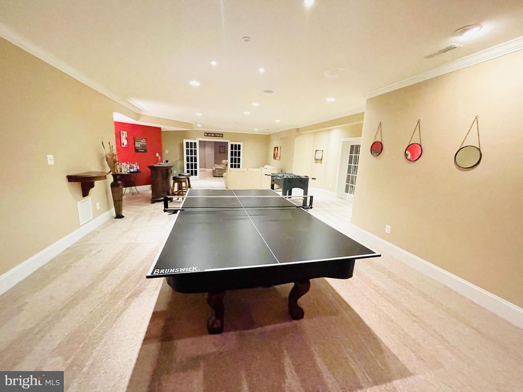 Ping-Pong / Pool Table Conveys - 16344 LIMESTONE CT, LEESBURG