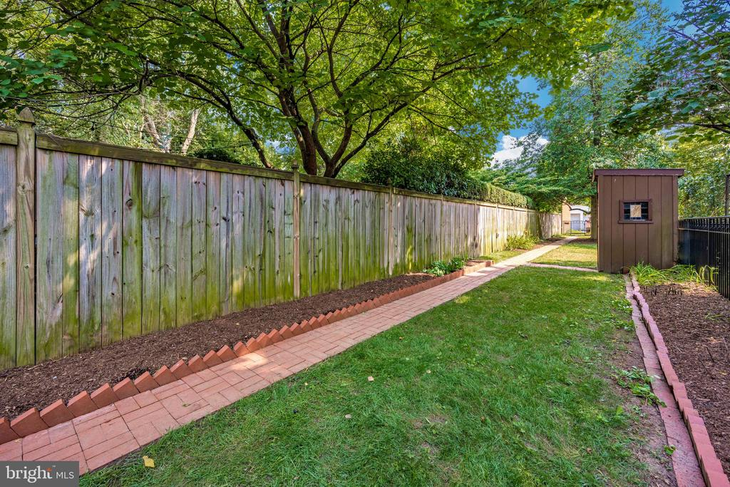 Privacy Fence- pathway to off street parking - 212 E 3RD ST, FREDERICK