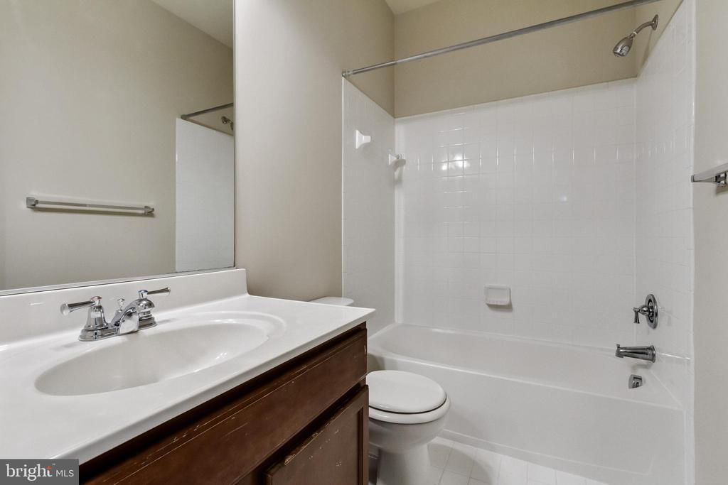 2nd Full Bath - 4807 POTOMAC HIGHLANDS CIR, TRIANGLE