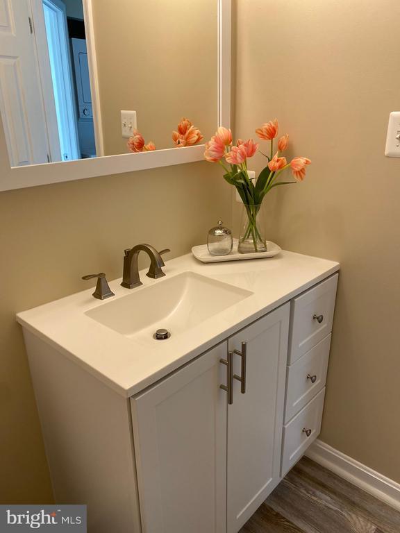 Lower Level Full Bath - New Vanity, Light & Mirror - 7960 CALVARY CT #138, MANASSAS