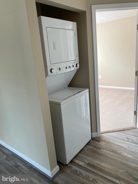 Stack Washer/Dryer Conveys - 7960 CALVARY CT #138, MANASSAS