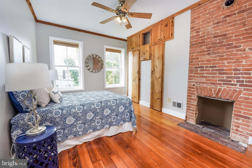 Master Bedroom; Ceiling Fan w/Light; Fresh Paint - 21 E SOUTH ST, FREDERICK