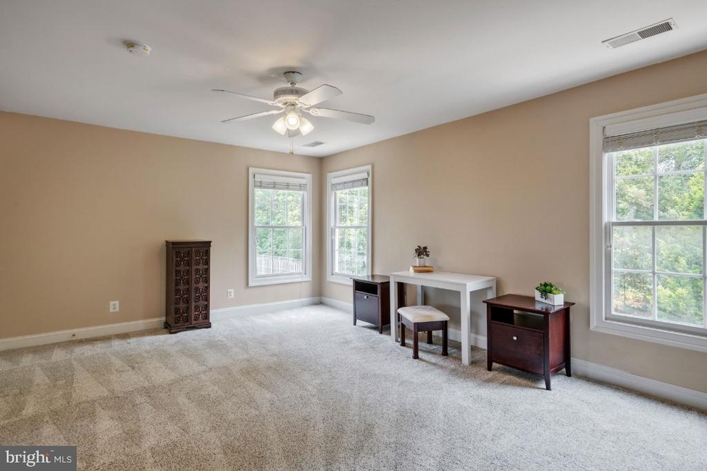 Sitting Room off the Owners Suite - 6809 CLIFTON GROVE CT, CLIFTON
