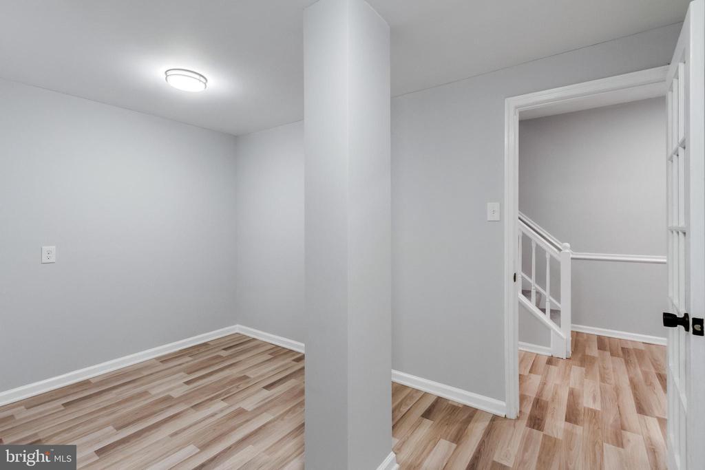 Flex Room -Office/Craft/Play Room - 11572 OVERLEIGH DR, WOODBRIDGE