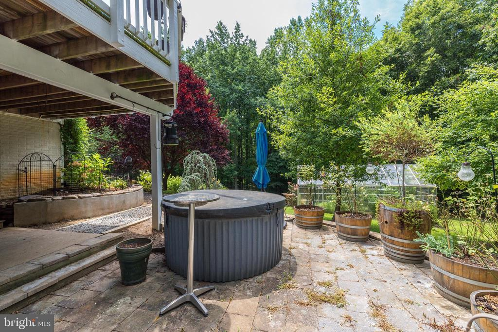Lower Level Patio and Hot Tub - 8104 FLOSSIE LN, CLIFTON