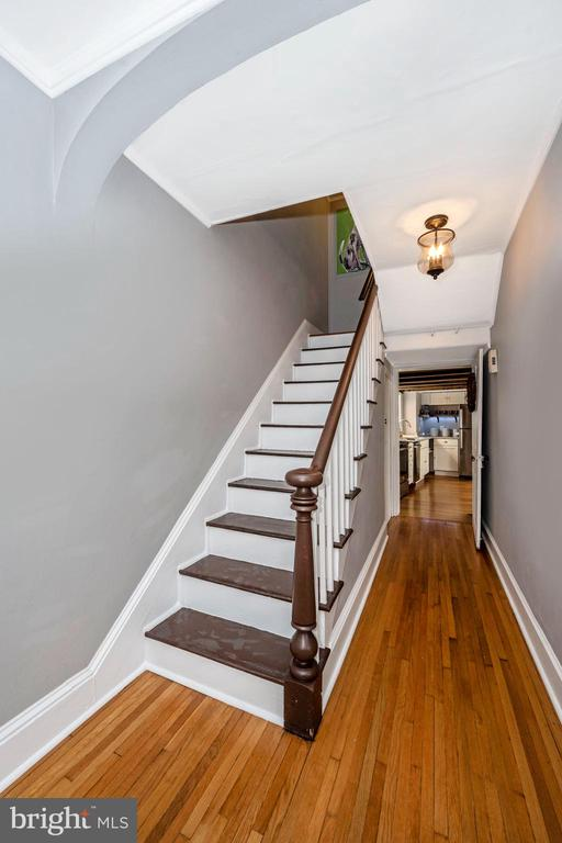 Front staircase to upstairs level - 123 W 5TH ST, FREDERICK