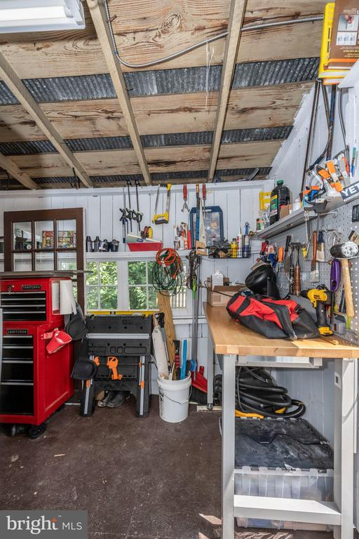 Workshop at rear of main level with garden access - 123 W 5TH ST, FREDERICK
