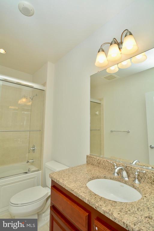 Hall Bathroom - 1830 FOUNTAIN DR #1208, RESTON