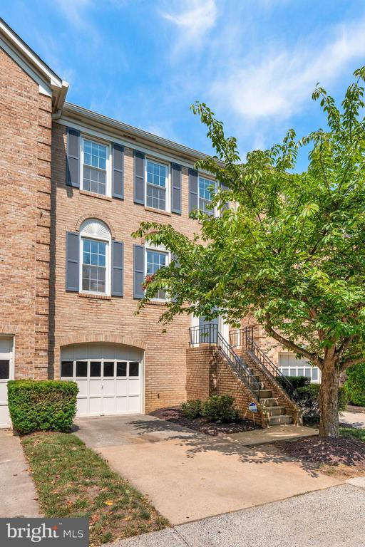 Beautiful Brick Exterior & Lovely Curb Appeal! - 8009 MERRY OAKS LN, VIENNA