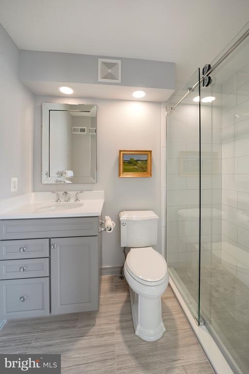 Second en-suite bathroom - 12079 CHANCERY STATION CIR, RESTON