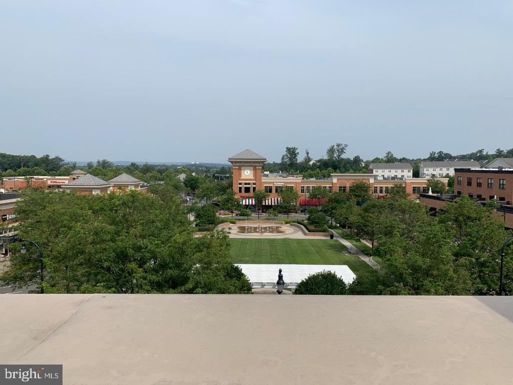 Views from rooftop terrace - 19383 NEWTON PASS SQ #R06V, LEESBURG