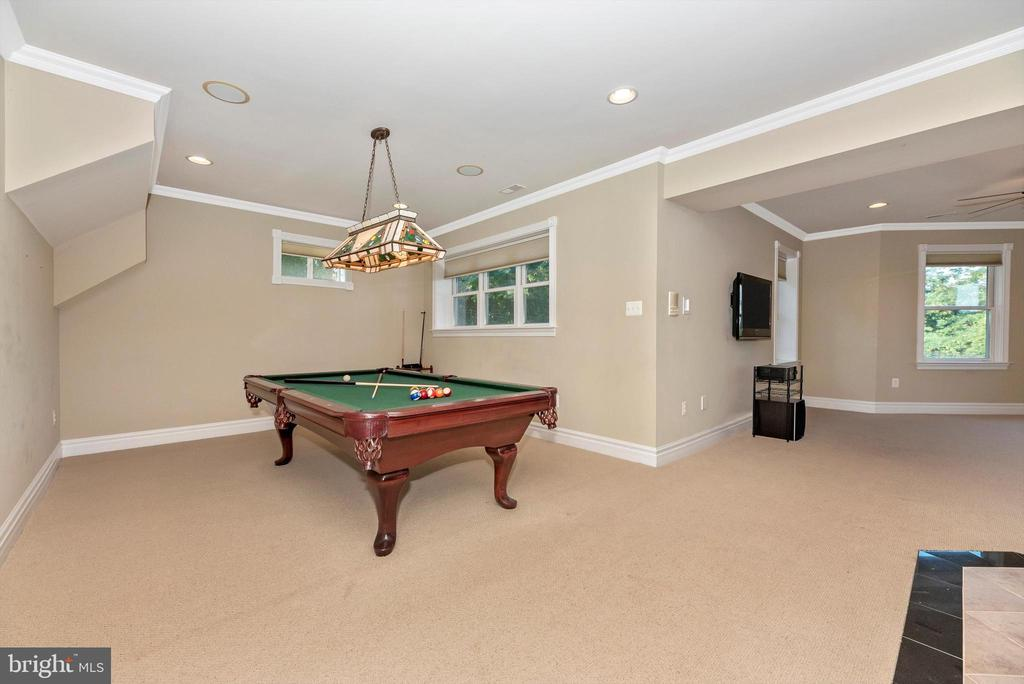 Billiard Table Area - 7525 OLD RECEIVER RD, FREDERICK