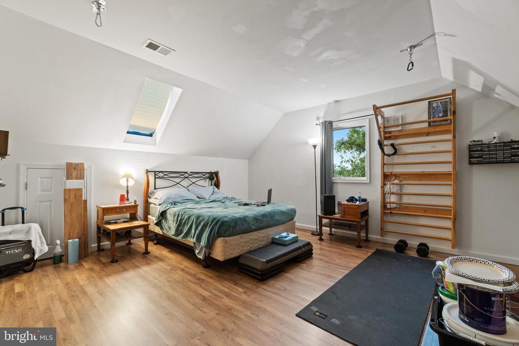 Third Level Bedroom - 5609 S QUAKER LN, ALEXANDRIA