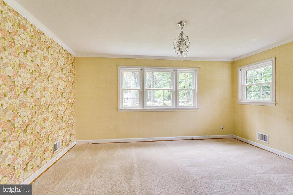 - 1112 ORCHARD WAY, SILVER SPRING