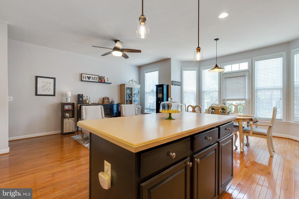 Breakfast Area & Living Room - 43813 LEES MILL SQ., LEESBURG