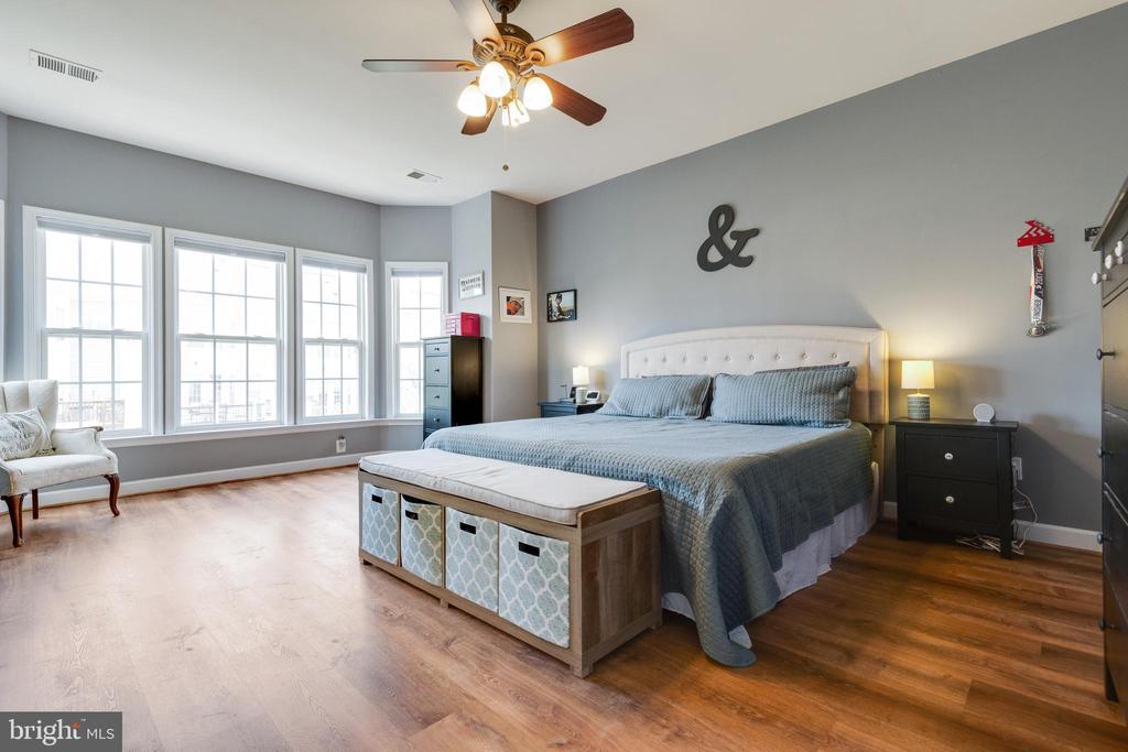 Luxury Primary Suite - 43813 LEES MILL SQ., LEESBURG