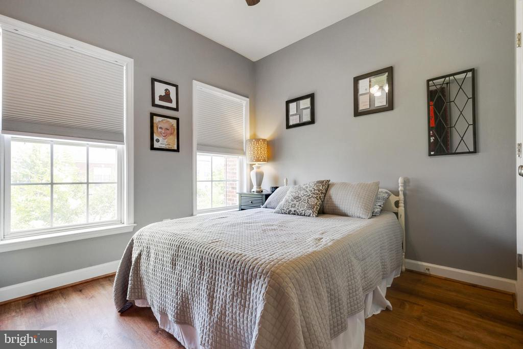 Secondary Bedroom with Ceiling Fan - 43813 LEES MILL SQ., LEESBURG