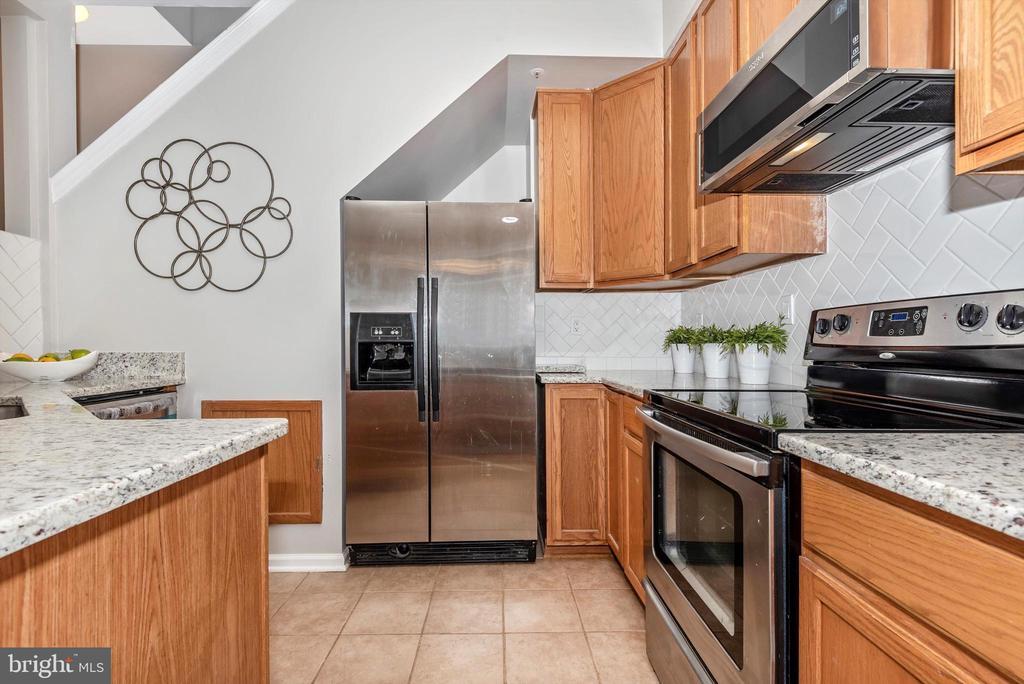 Kitchen - 5188 DUKE CT, FREDERICK