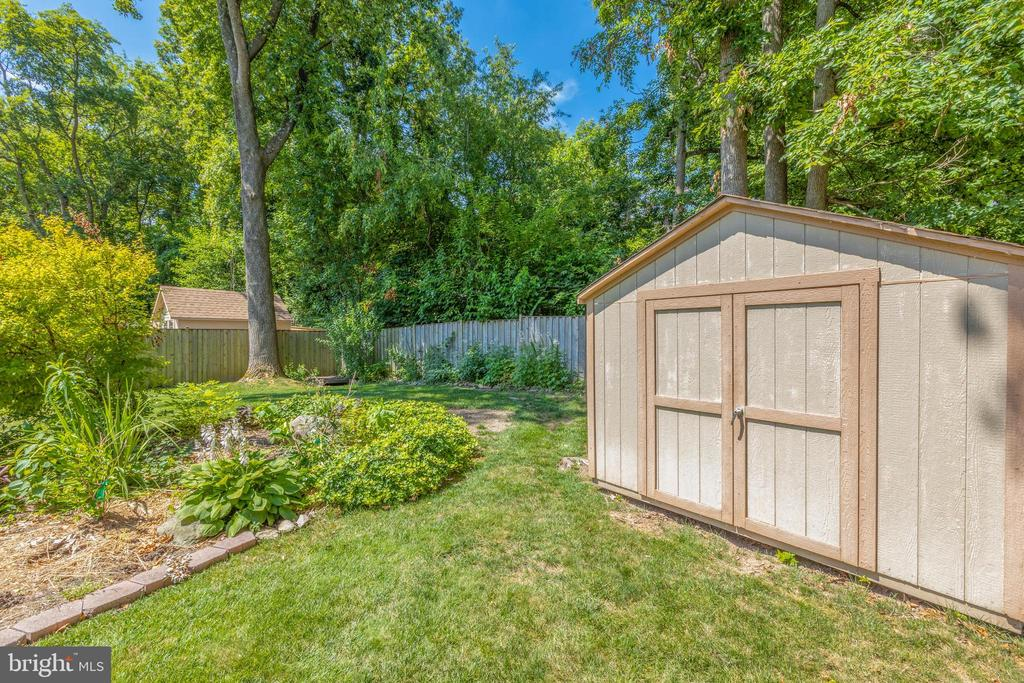 Shed - 1534 YOUNGS POINT PL, HERNDON