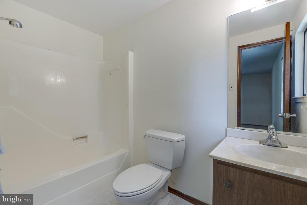 Owner's Bathroom - 1534 YOUNGS POINT PL, HERNDON