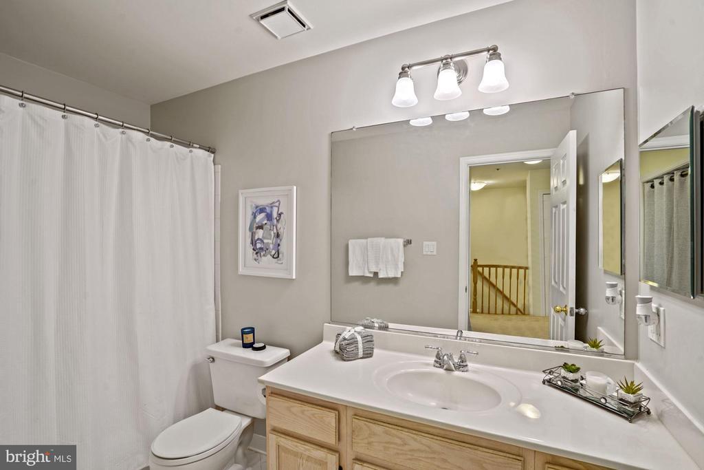 Full bath on second floor. - 11736 ROCKAWAY LN #101, FAIRFAX