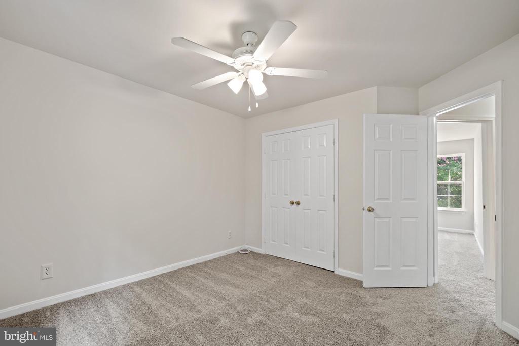 Back corner bedroom - 15 SARRINGTON CT, STAFFORD