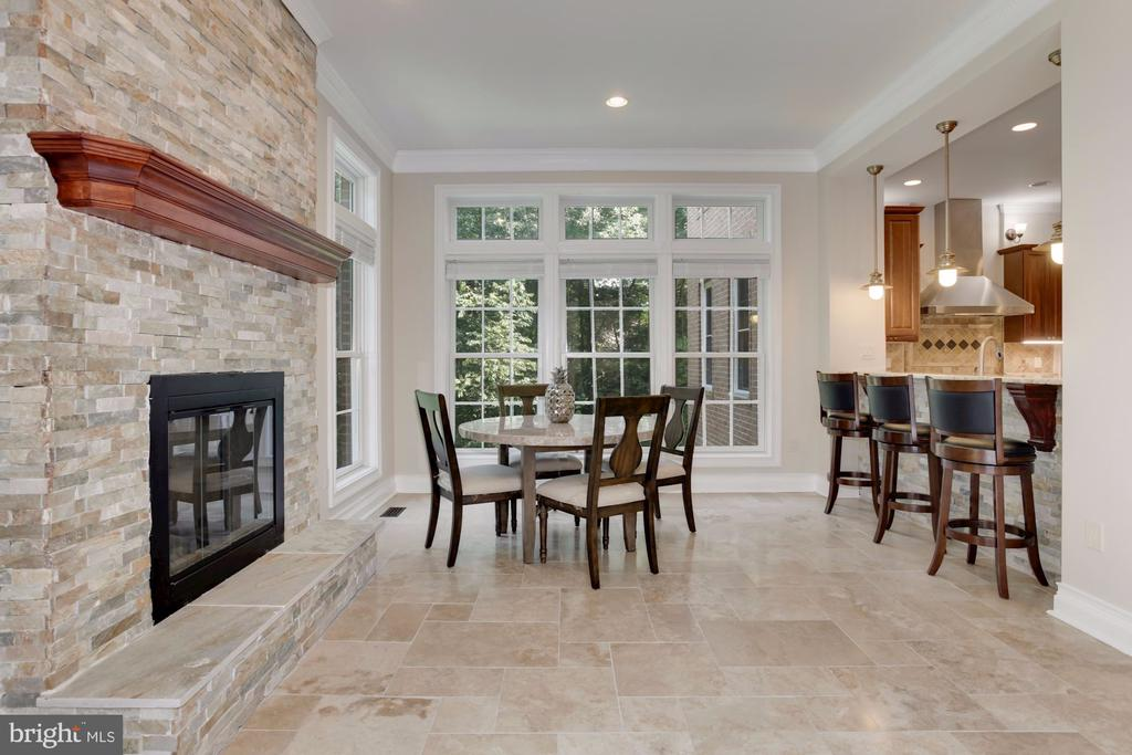 Great for breakfast with friends and family! - 11400 ALESSI DR, MANASSAS