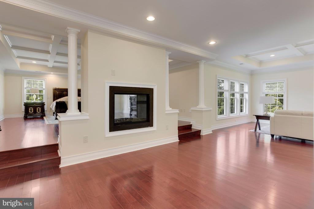 Step Up to the Upper Level. - 11400 ALESSI DR, MANASSAS