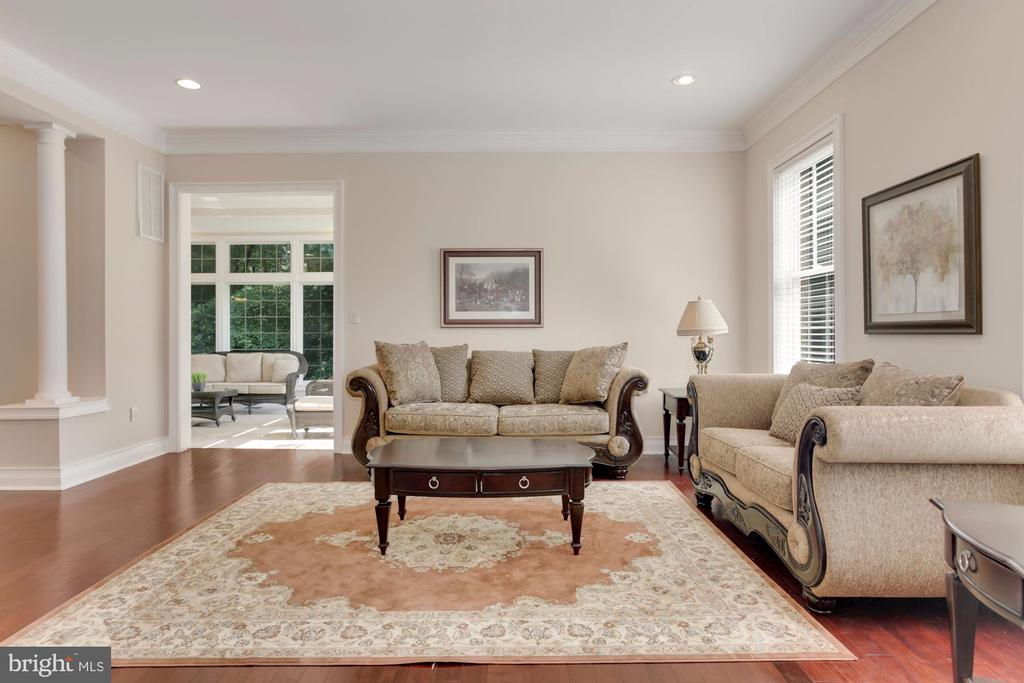 Lovely space to entertain. - 11400 ALESSI DR, MANASSAS