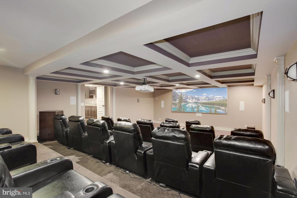 COFFERED Ceilings! - 11400 ALESSI DR, MANASSAS