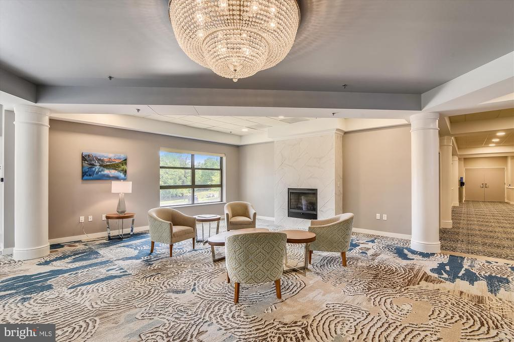 Remodeled Clubhouse gathering area - 19375 CYPRESS RIDGE TER #904, LEESBURG
