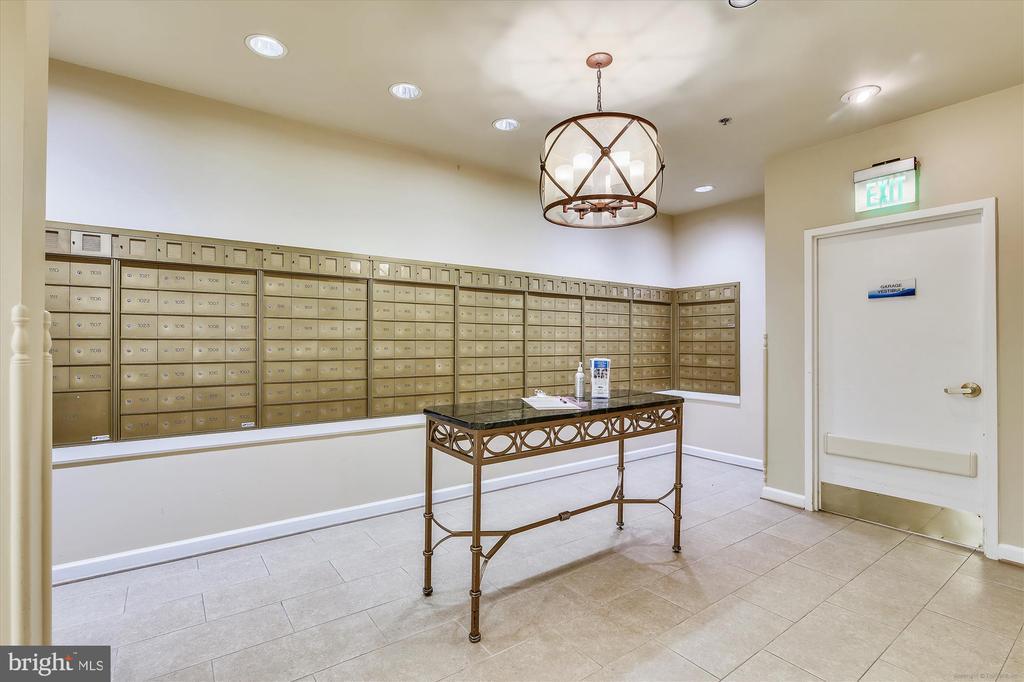 Blue Ridge mail box areas - 19375 CYPRESS RIDGE TER #904, LEESBURG