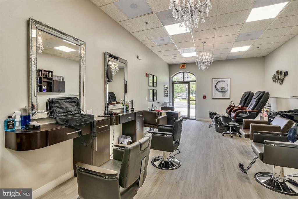 Beauty salon in the Clubhouse, second floor. - 19375 CYPRESS RIDGE TER #904, LEESBURG