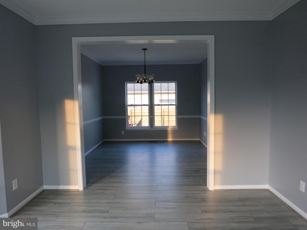 Living room - 11139 EAGLE CT, BEALETON