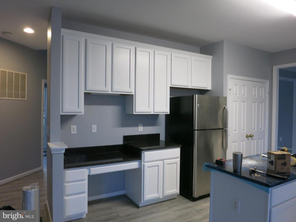 Kitchen - 11139 EAGLE CT, BEALETON