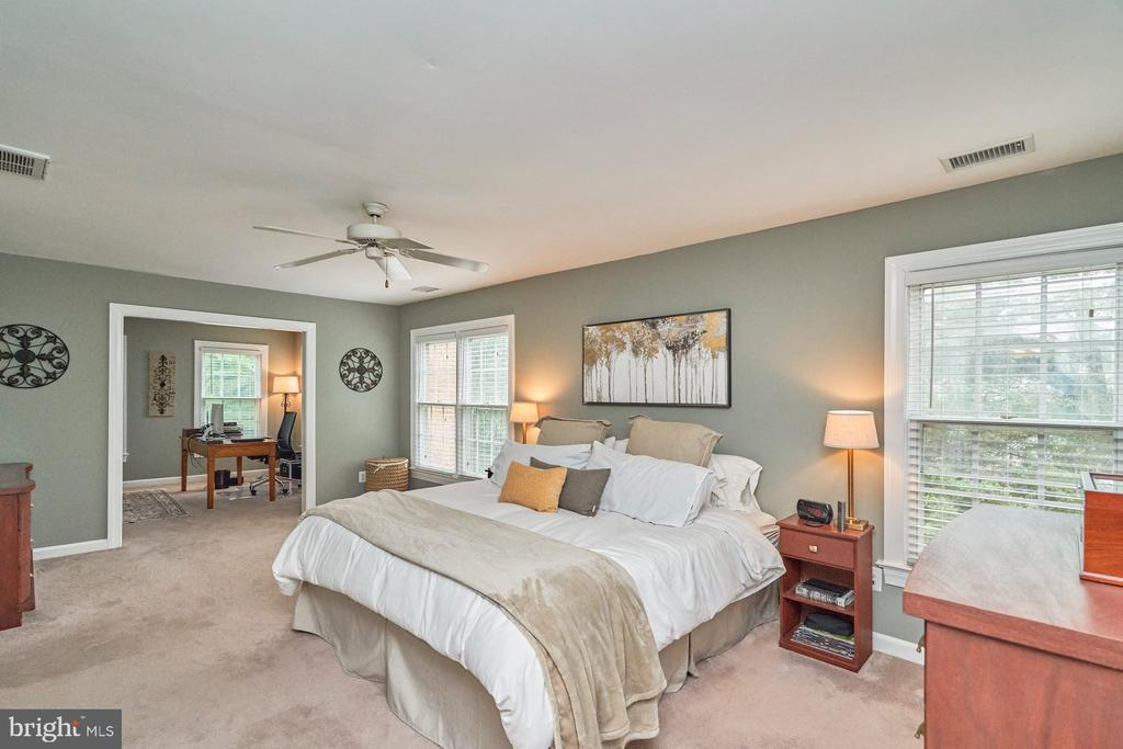 Adjoining Sitting Room/Office - 4291 LAWNVALE DR, GAINESVILLE