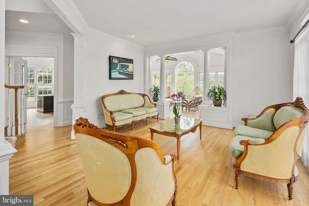 Formal Living Room - 2792 MARSHALL LAKE DR, OAKTON