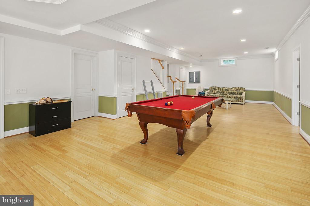 Lower level recreation room - 2792 MARSHALL LAKE DR, OAKTON