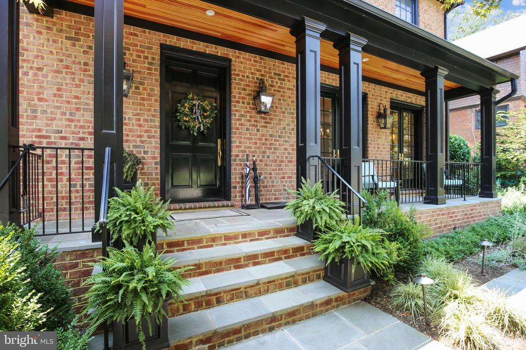 Front porch - 3038 N PEARY ST, ARLINGTON