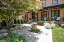 Beautifully landscaped - 3038 N PEARY ST, ARLINGTON
