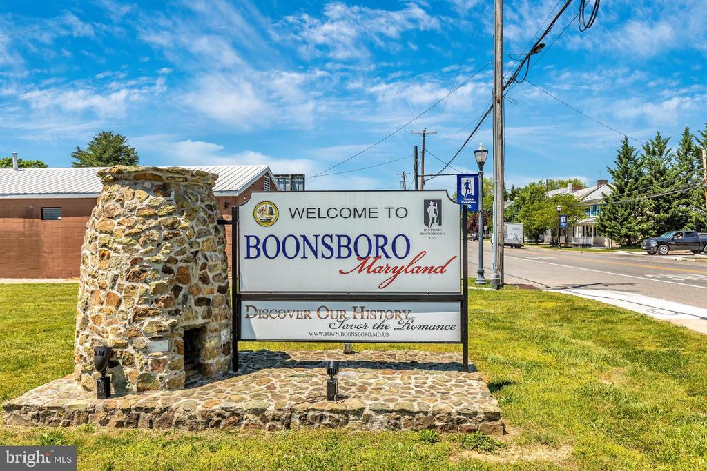 Close to Historic Downtown Boonsboro - 303 TIGER WAY, BOONSBORO