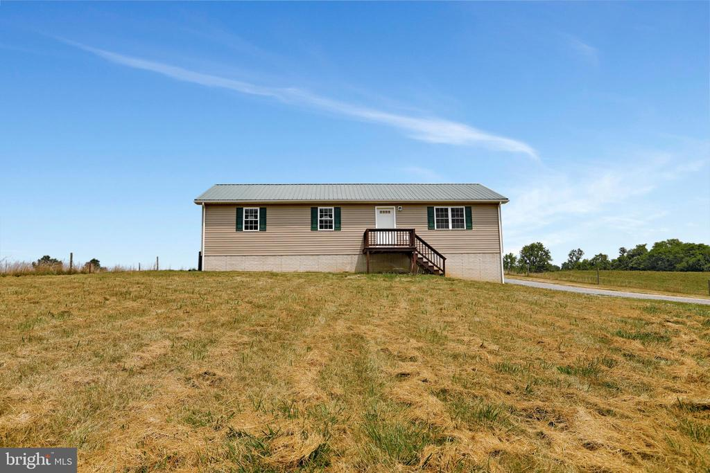 3 Bedrooms, 2 Bathrooms and more! - 857 MT HAMMOND, CHARLES TOWN