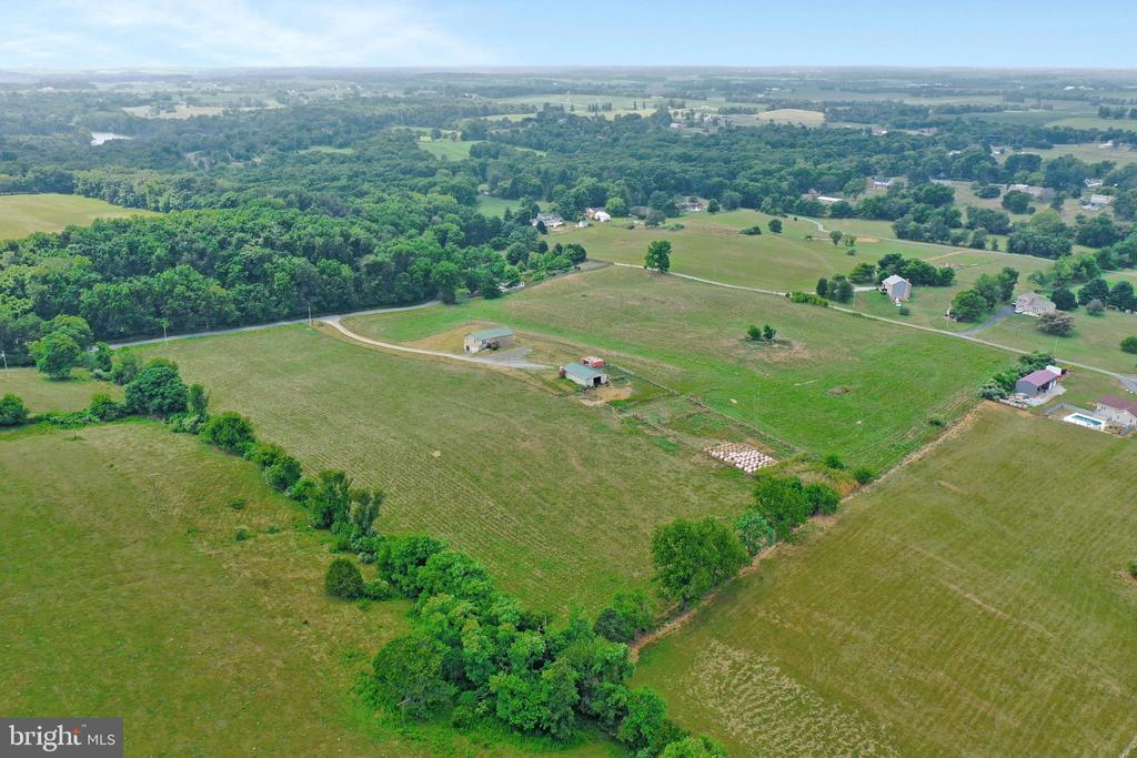 Unrestricted 18+ acres - 857 MT HAMMOND, CHARLES TOWN