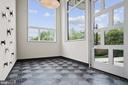 Modern spacious Foyer� - 1120 GUILFORD CT, MCLEAN