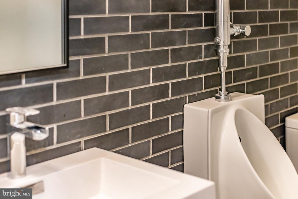 Men�s room with brick wall - 1120 GUILFORD CT, MCLEAN